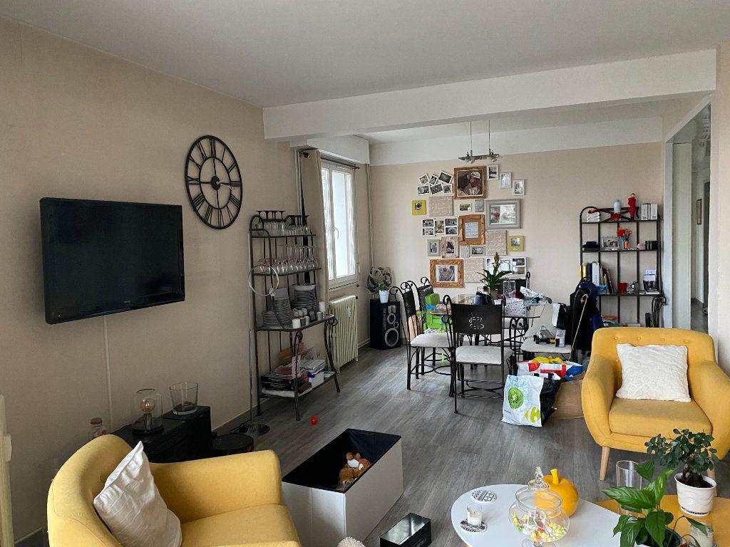 Appartement à vendre 4 87m2 à Montluçon vignette-3