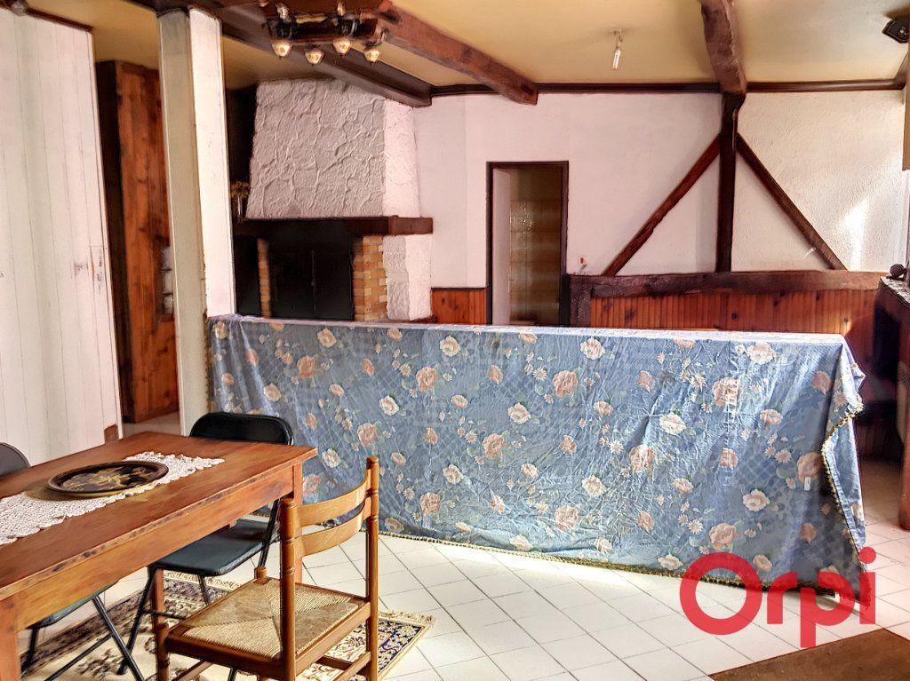 Appartement à vendre 2 70m2 à Montluçon vignette-2