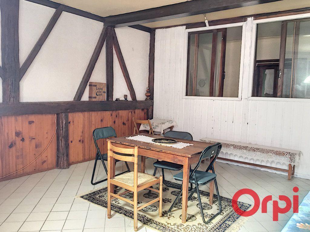 Appartement à vendre 2 70m2 à Montluçon vignette-3