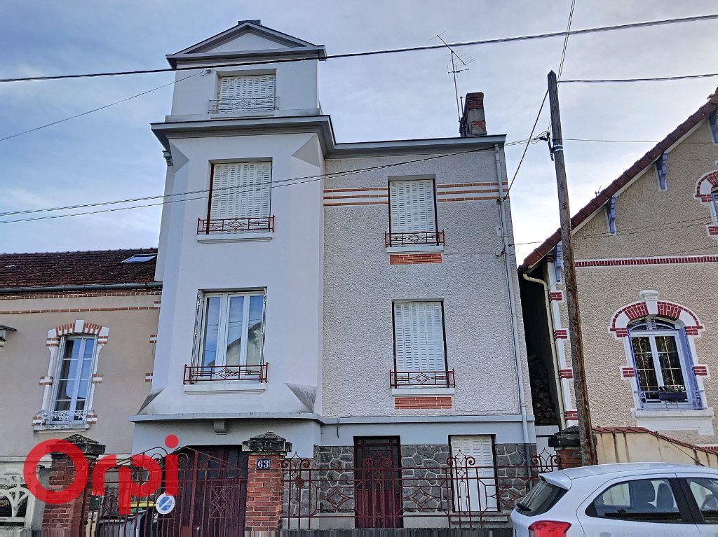 Appartement à vendre 3 71m2 à Montluçon vignette-11