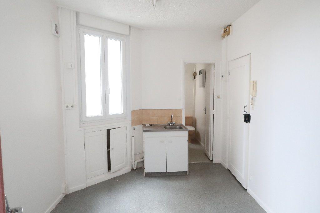 Appartement à louer 2 25m2 à Saint-Quentin vignette-2