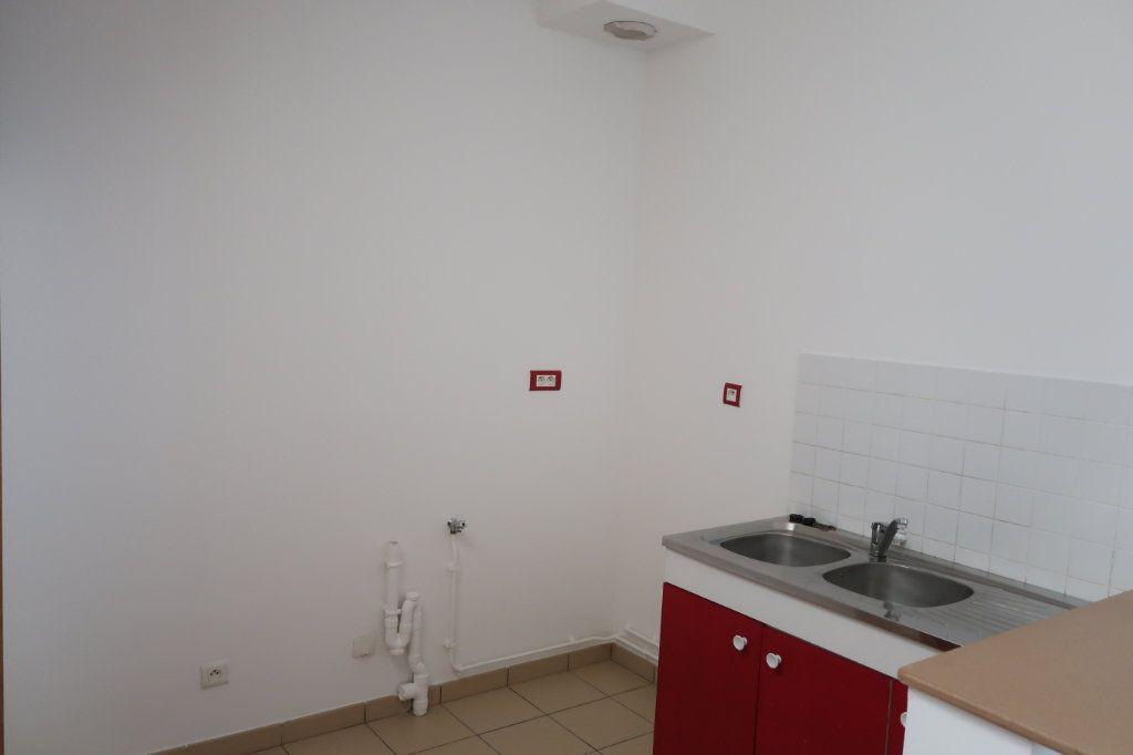 Appartement à louer 2 38m2 à Saint-Quentin vignette-2