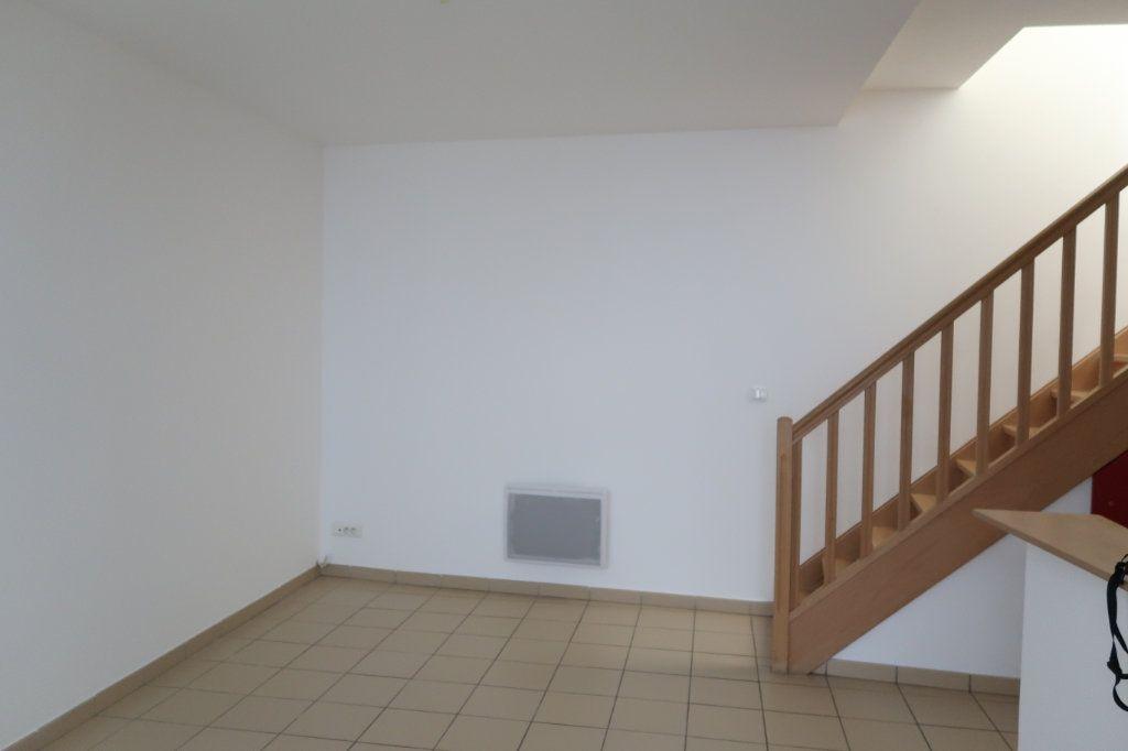 Appartement à louer 2 38m2 à Saint-Quentin vignette-3