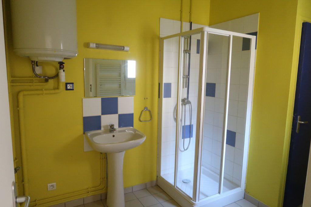 Appartement à louer 2 38m2 à Saint-Quentin vignette-4