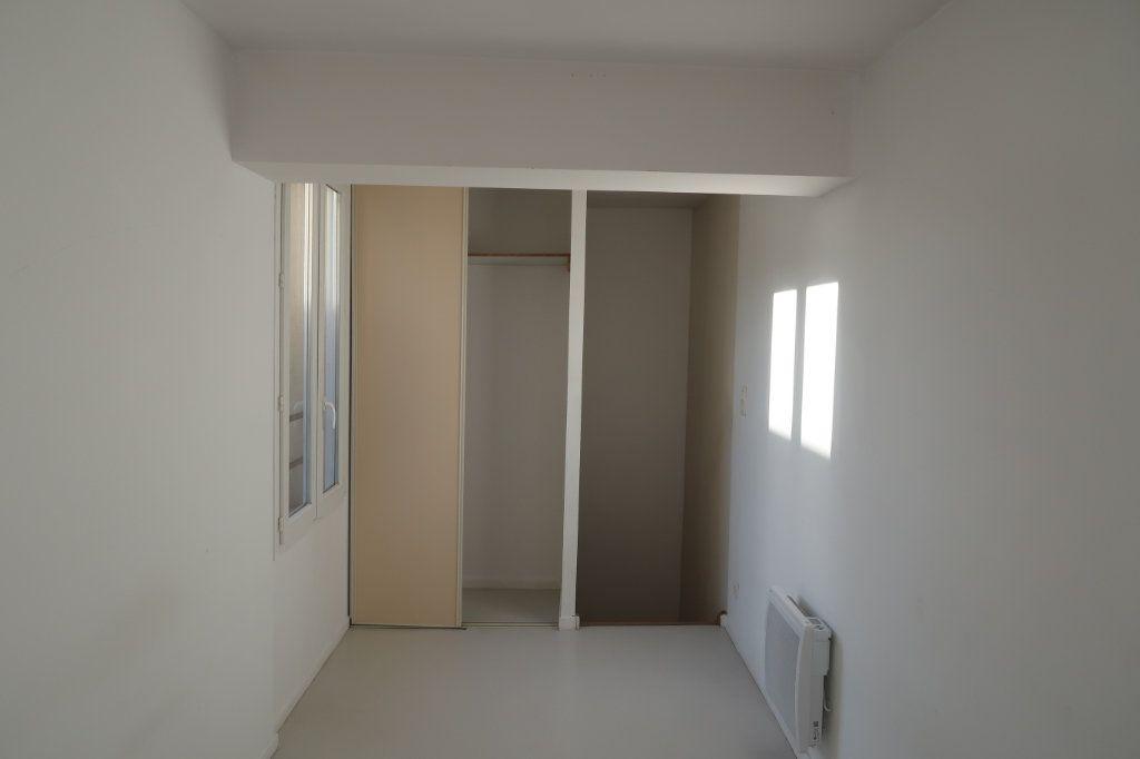 Appartement à louer 2 38m2 à Saint-Quentin vignette-7