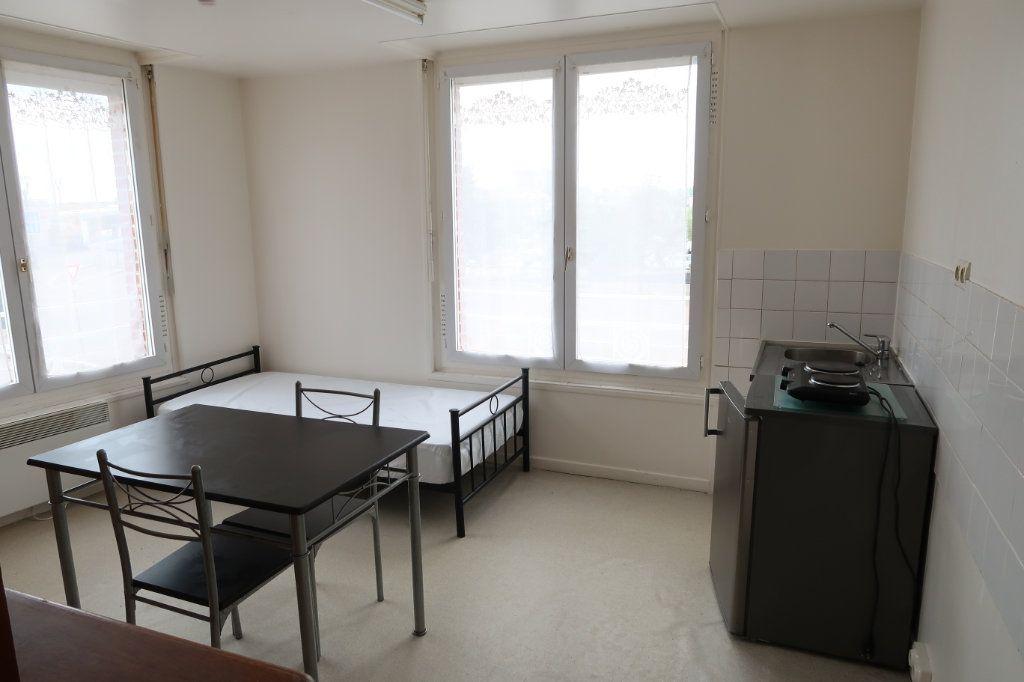 Appartement à louer 1 20.6m2 à Saint-Quentin vignette-1