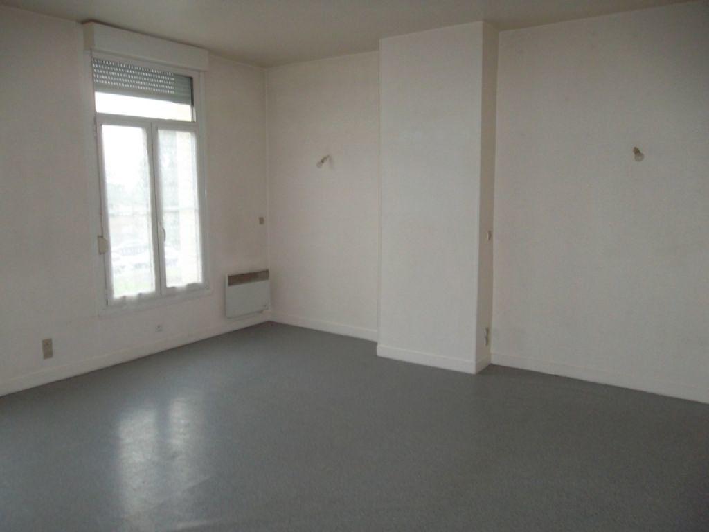 Appartement à louer 1 26.23m2 à Saint-Quentin vignette-2