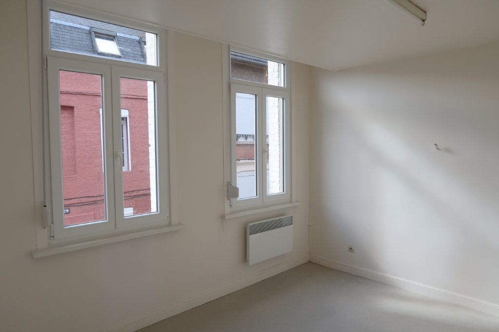 Appartement à louer 2 33m2 à Saint-Quentin vignette-6