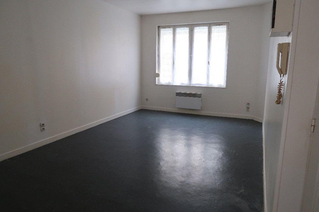 Appartement à louer 2 32.18m2 à Saint-Quentin vignette-3
