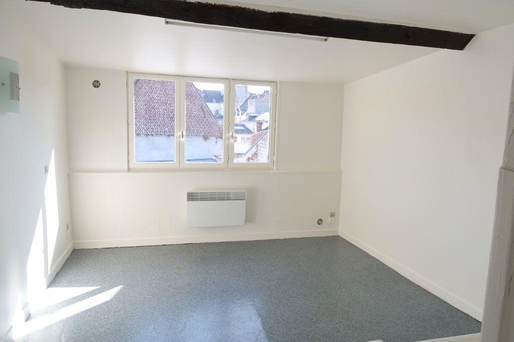 Appartement à louer 2 61.49m2 à Saint-Quentin vignette-1