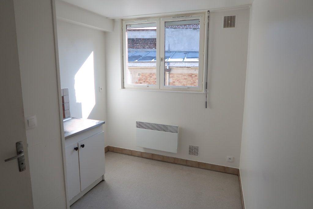 Appartement à louer 2 61.49m2 à Saint-Quentin vignette-3