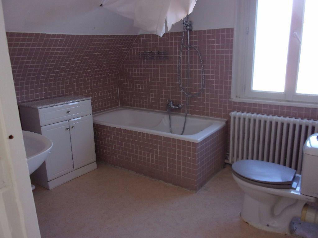 Maison à louer 4 143.6m2 à Saint-Quentin vignette-7