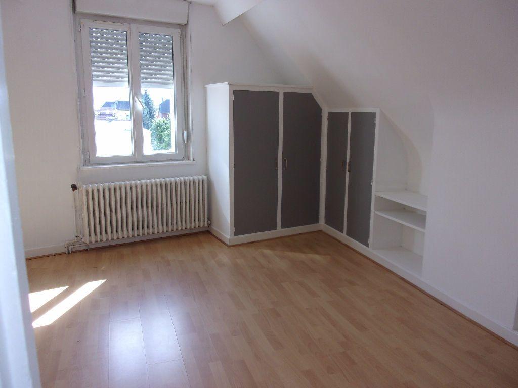Maison à louer 4 143.6m2 à Saint-Quentin vignette-8