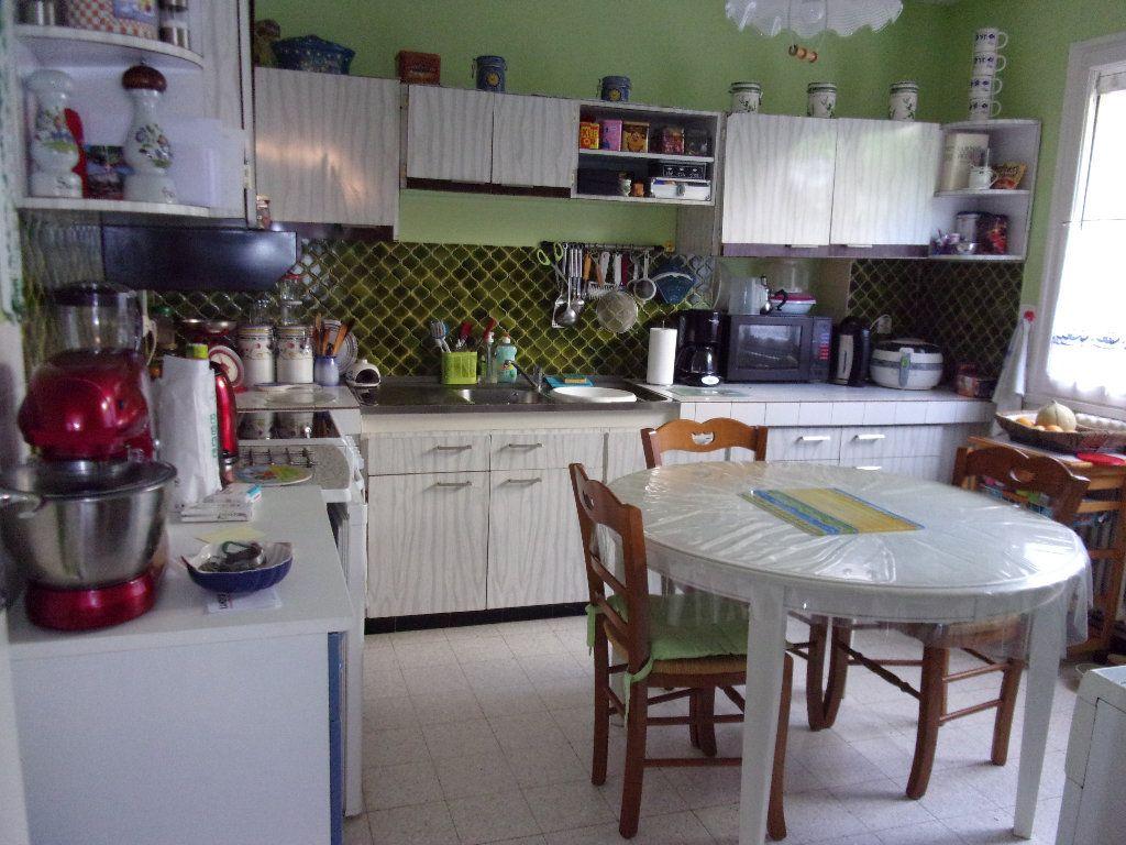 Appartement à louer 3 70m2 à Homblières vignette-3