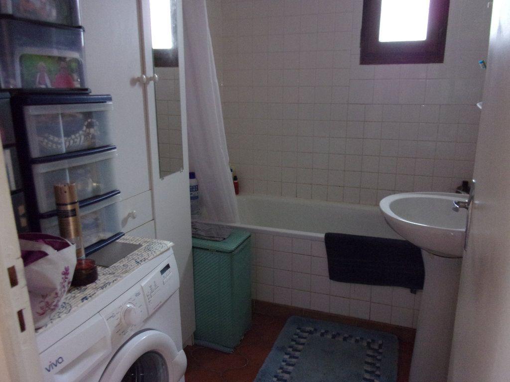 Appartement à louer 3 70m2 à Homblières vignette-5