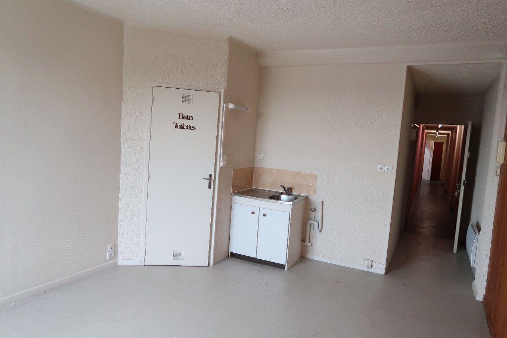 Appartement à louer 2 45.68m2 à Saint-Quentin vignette-1