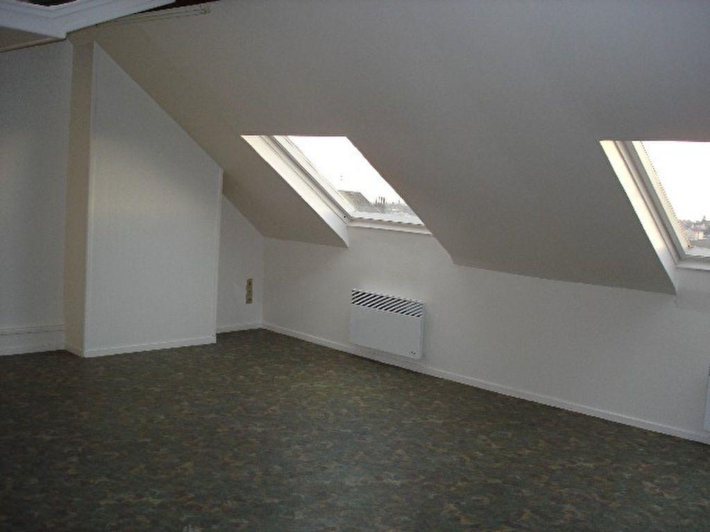 Appartement à louer 2 46.62m2 à Saint-Quentin vignette-1