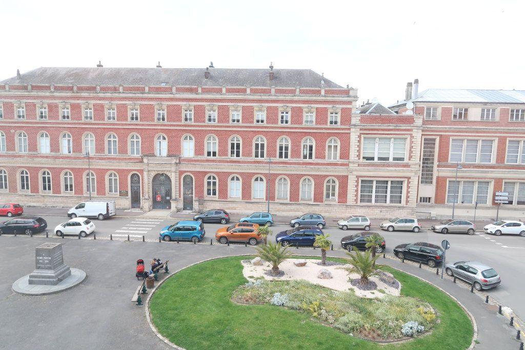 Appartement à louer 1 29m2 à Saint-Quentin vignette-6