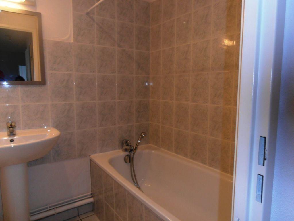 Appartement à louer 3 70m2 à Saint-Quentin vignette-4