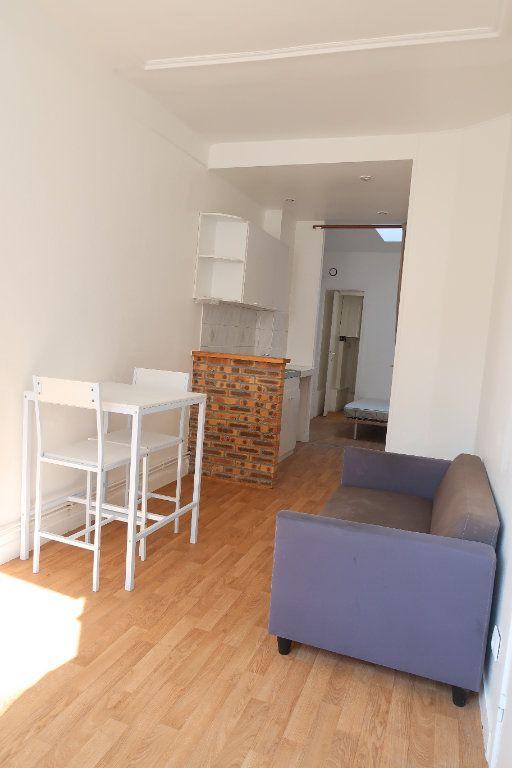 Appartement à louer 1 27.72m2 à Saint-Quentin vignette-1