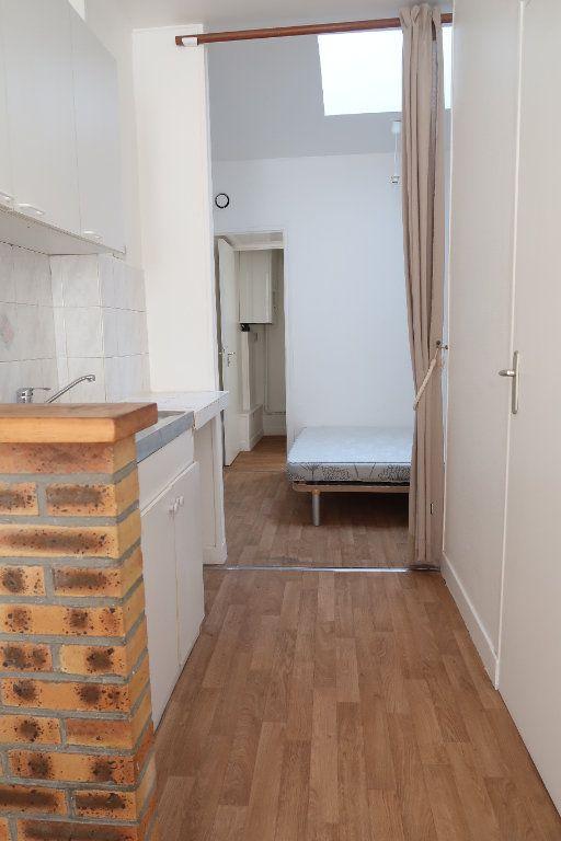 Appartement à louer 1 27.72m2 à Saint-Quentin vignette-3