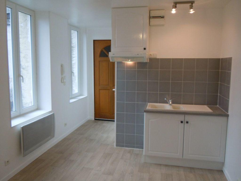 Appartement à louer 2 24.86m2 à Saint-Quentin vignette-1