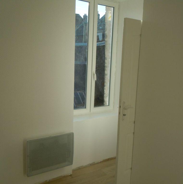 Appartement à louer 2 24.86m2 à Saint-Quentin vignette-4