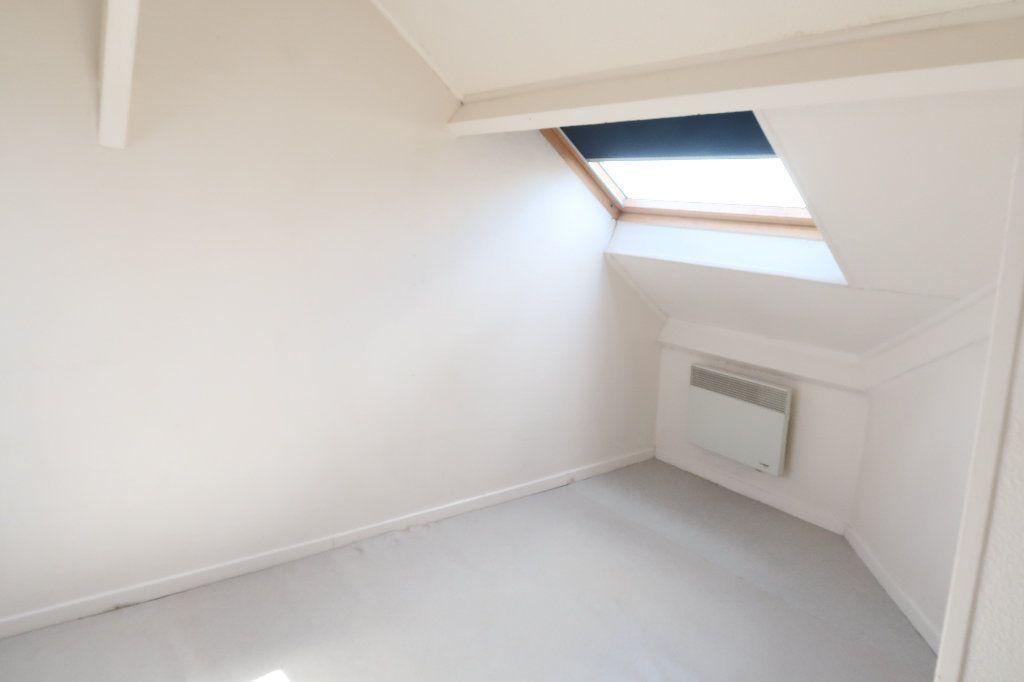 Appartement à louer 2 32.6m2 à Saint-Quentin vignette-6