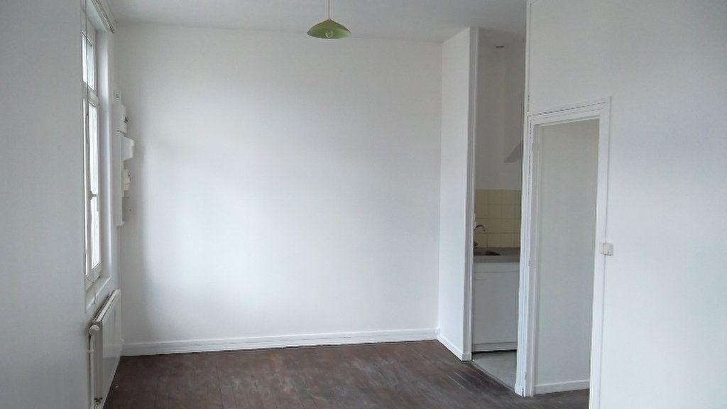 Appartement à louer 2 40.5m2 à Saint-Quentin vignette-1