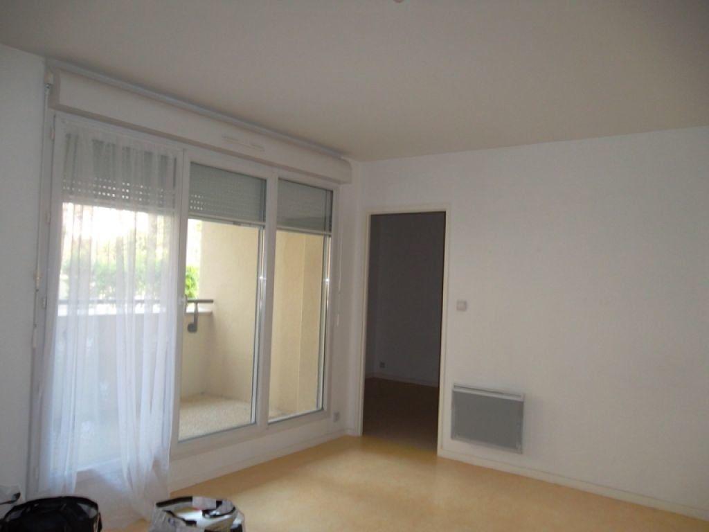 Appartement à louer 2 51.88m2 à Saint-Quentin vignette-1