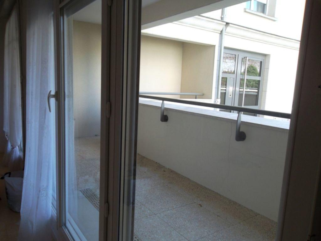 Appartement à louer 2 51.88m2 à Saint-Quentin vignette-3