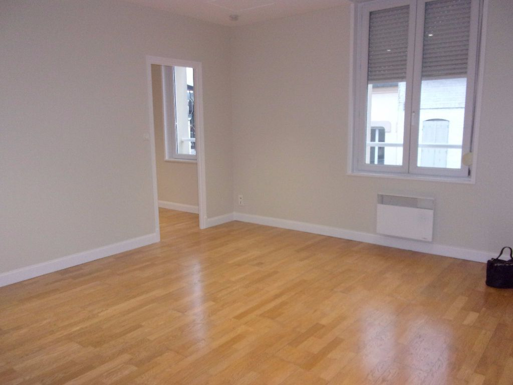 Appartement à louer 2 34.86m2 à Saint-Quentin vignette-1
