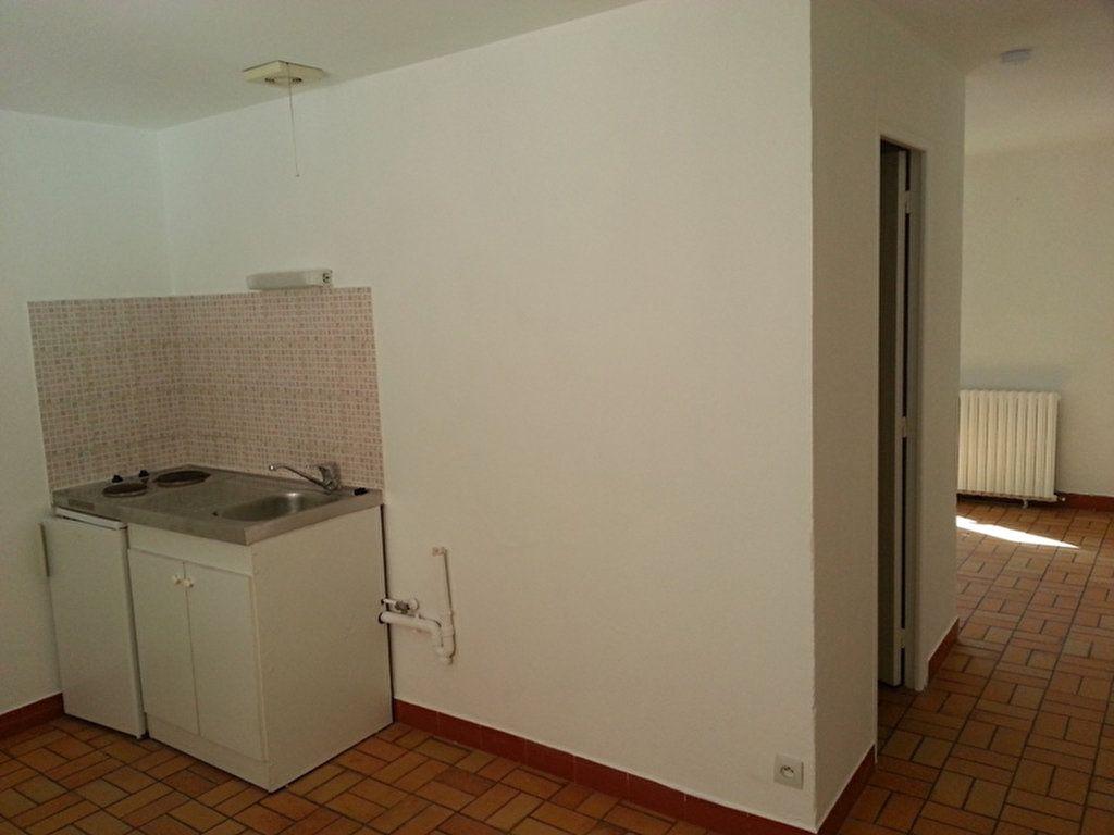 Appartement à louer 2 27.4m2 à Saint-Quentin vignette-5