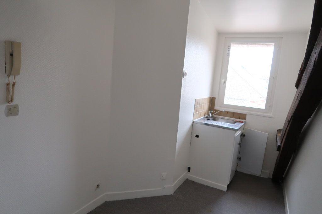 Appartement à louer 2 34m2 à Saint-Quentin vignette-4