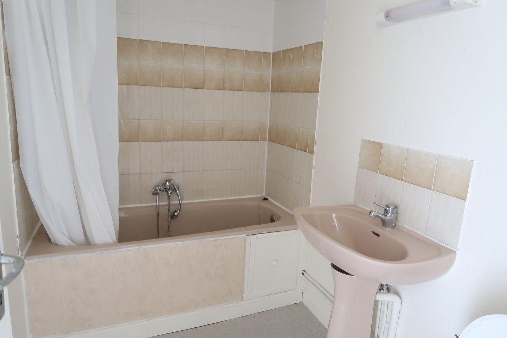 Appartement à louer 2 34m2 à Saint-Quentin vignette-6