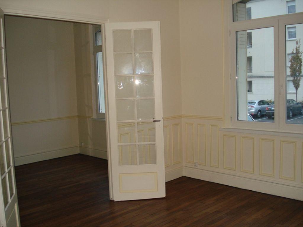 Appartement à louer 3 98.65m2 à Saint-Quentin vignette-2