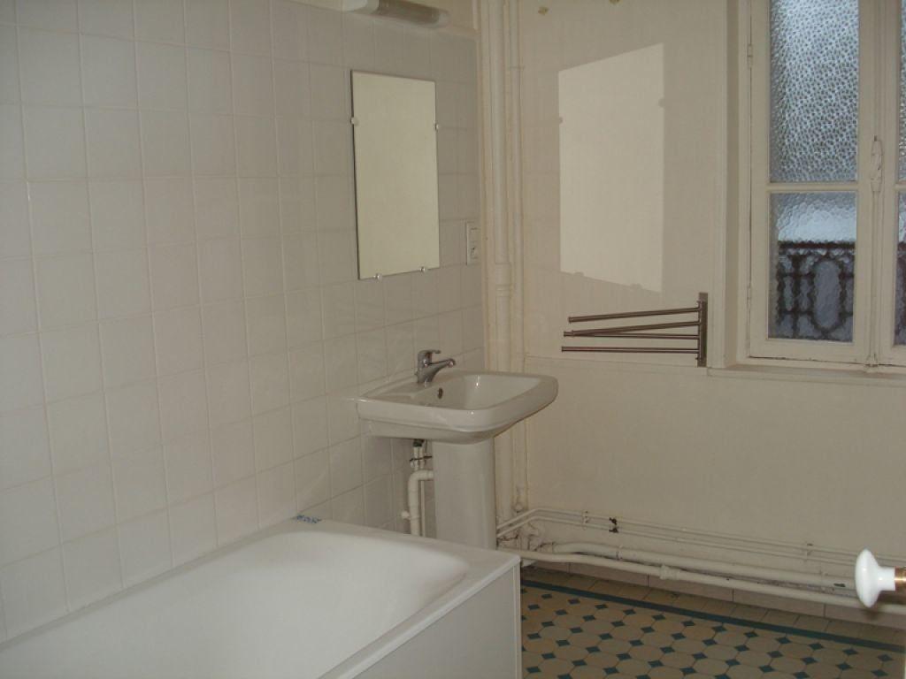 Appartement à louer 3 98.65m2 à Saint-Quentin vignette-4