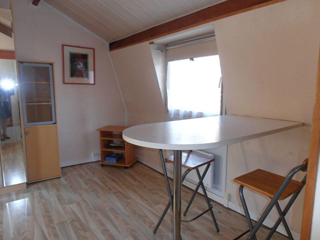 Appartement à louer 1 38m2 à Saint-Quentin vignette-4