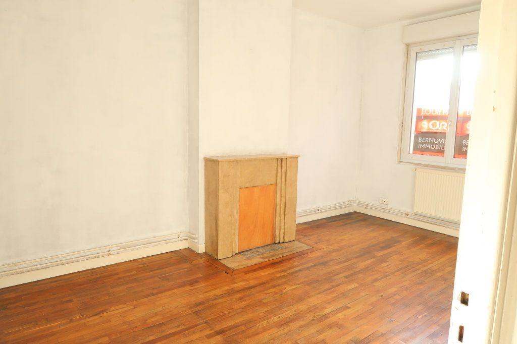Appartement à louer 2 53m2 à Saint-Quentin vignette-1