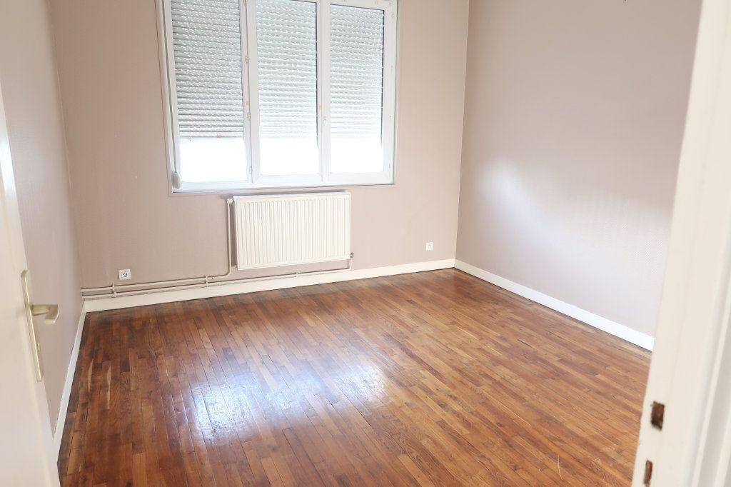 Appartement à louer 2 53m2 à Saint-Quentin vignette-4