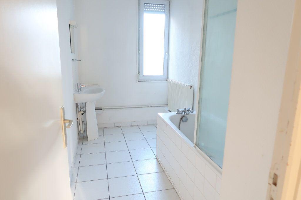 Appartement à louer 2 53m2 à Saint-Quentin vignette-5