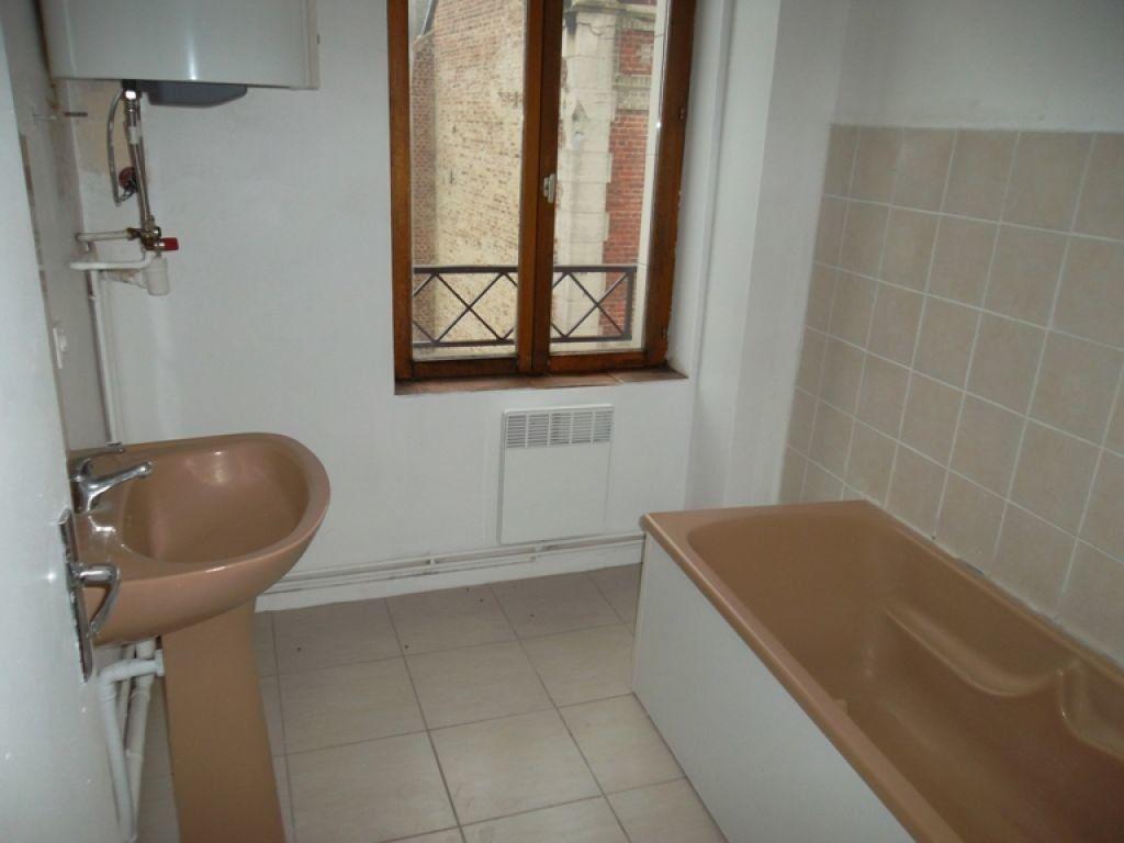 Appartement à louer 3 77m2 à Saint-Quentin vignette-5
