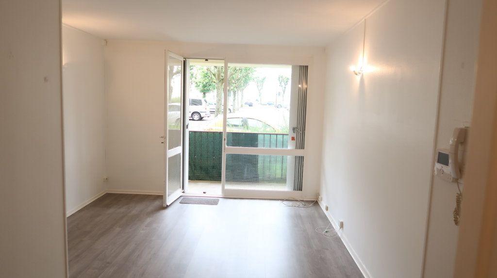 Appartement à louer 2 41m2 à Saint-Quentin vignette-6