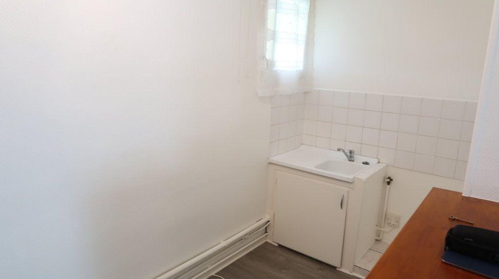 Appartement à louer 2 41m2 à Saint-Quentin vignette-8