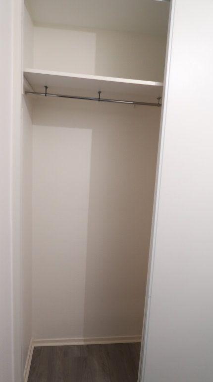 Appartement à louer 2 41m2 à Saint-Quentin vignette-11
