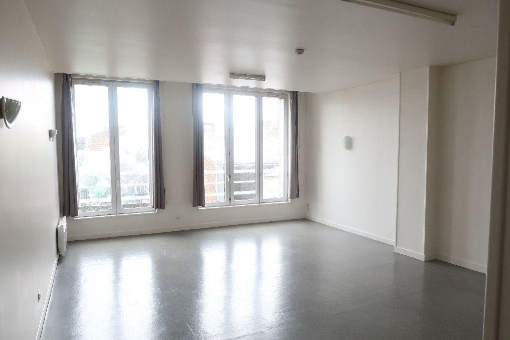 Appartement à louer 1 61.62m2 à Saint-Quentin vignette-2