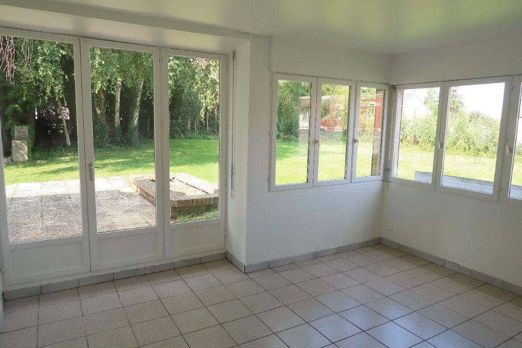 Maison à louer 7 140.85m2 à Saint-Quentin vignette-2