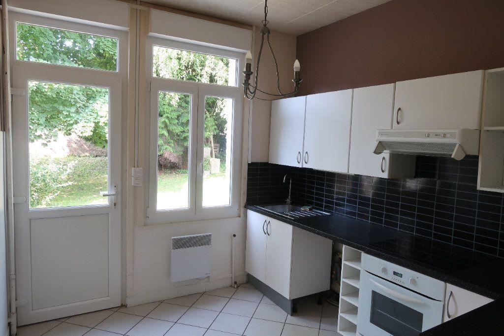 Maison à louer 7 140.85m2 à Saint-Quentin vignette-4