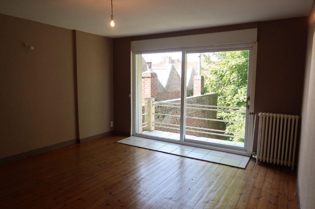 Maison à louer 7 140.85m2 à Saint-Quentin vignette-12