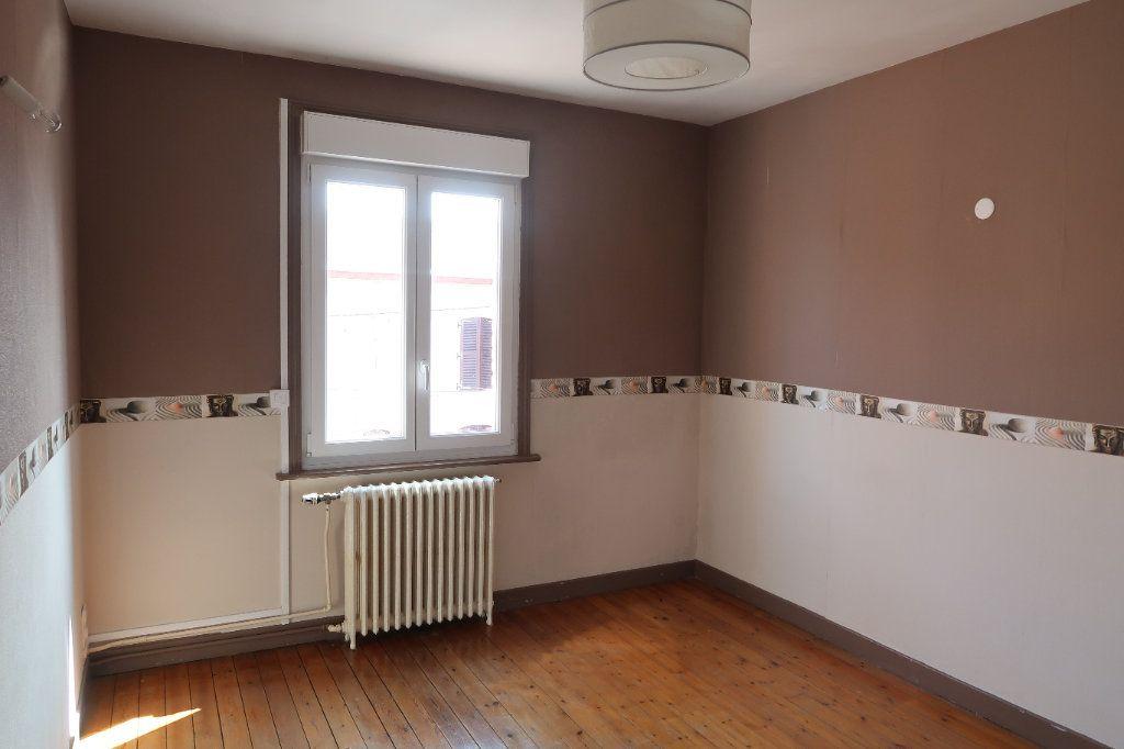 Maison à louer 7 140.85m2 à Saint-Quentin vignette-14